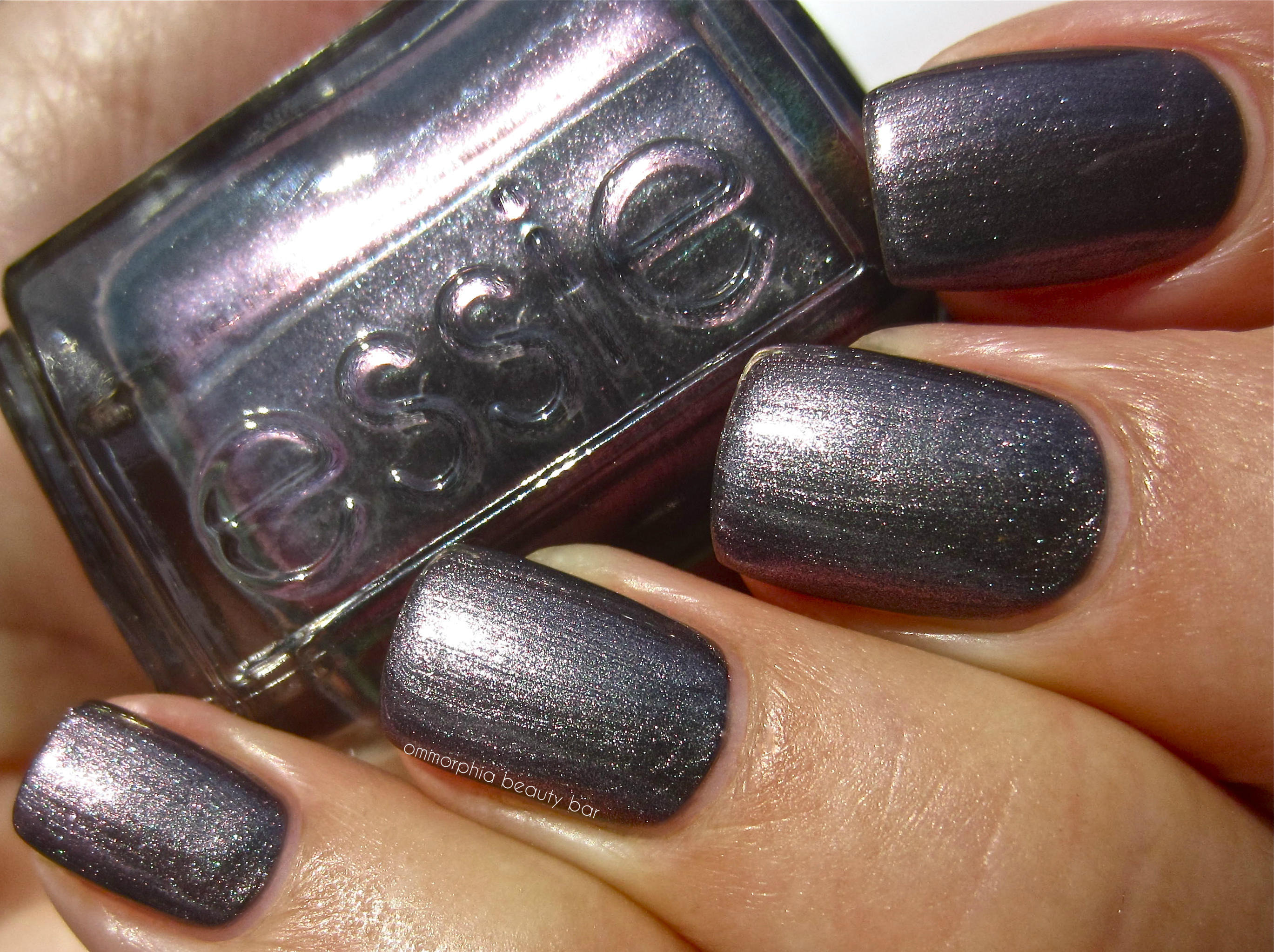 Essie The Lace Is On swatch | ommorphia beauty bar