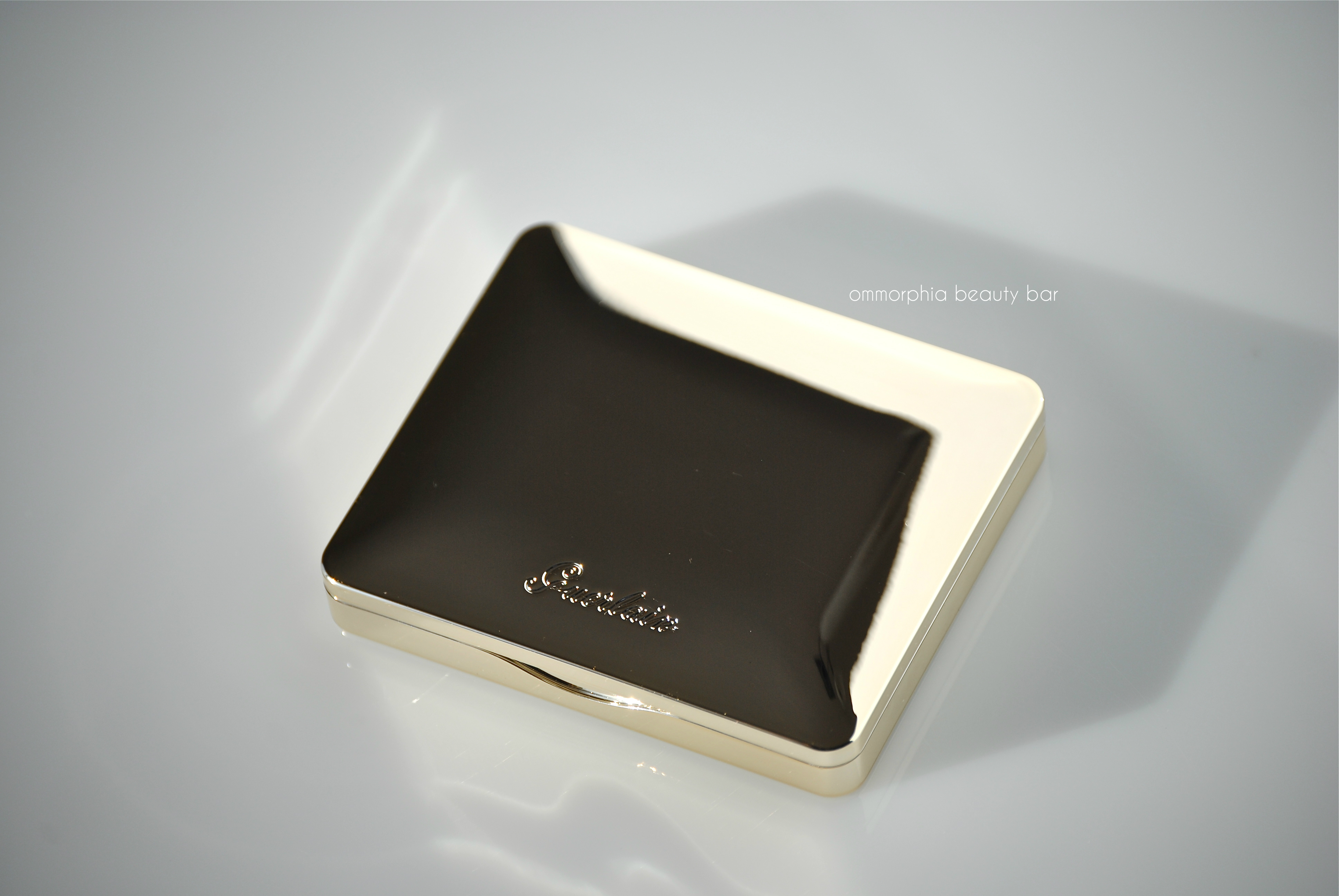 Guerlain Les Tendres closed compact